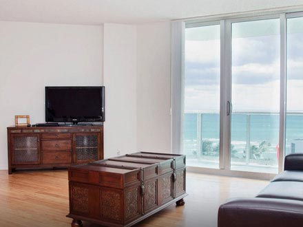 Apartment in Hollywood Beach (Miami) for 6
